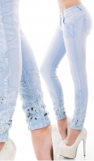 Crash-Jeans mit floralen Cut Outs und Stickerei in babyblau