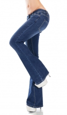 Moderne Flare Cut Schlagjeans in aktueller Waschung - blue washed