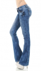 Modische Bootcut-Jeans in blue washed