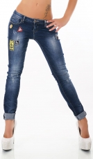 Freche Röhrenjeans mit bunten Schmuck-Patches in dark blue