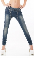 Crash-Jeans mit diagonaler Knopfleiste in blue washed