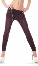 Crash-Jeans mit diagonaler Knopfleiste in aubergine