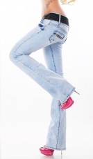 Modische Bootcut-Jeans mit Stretch-Gürtel in ice blue